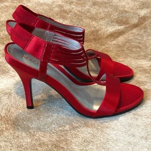 NEW!! Kenneth Cole Reaction Red Heels